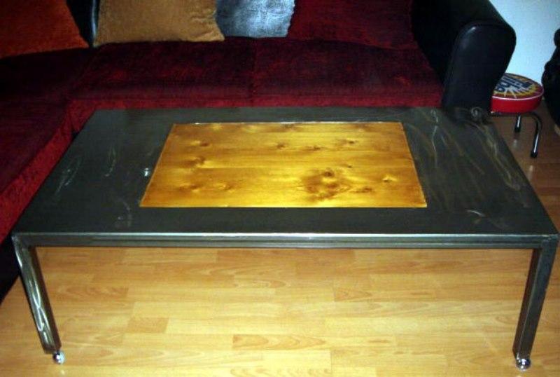 Table basse fer et bois sur roulette