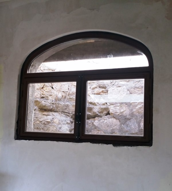 Fenêtre en menuiserie fer