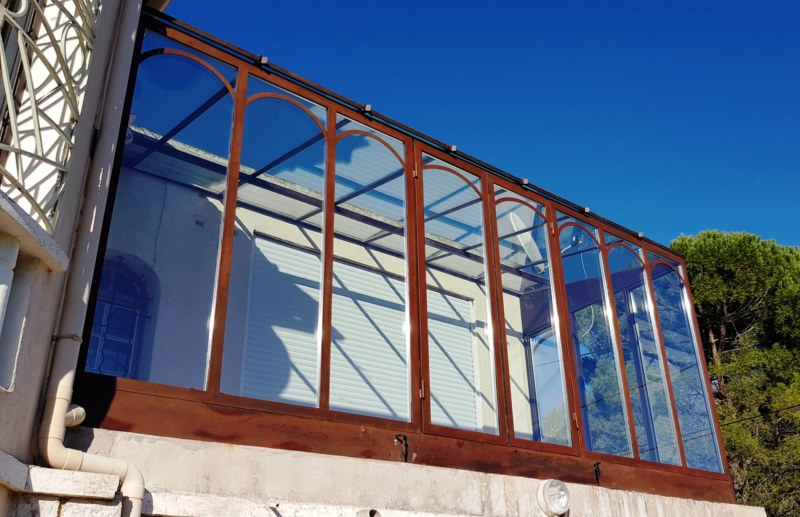 Fermeture sur une terrasse pour une pièce à vivre